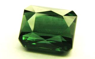 Зеленый турмалин (верделит) – камень матушки Природы