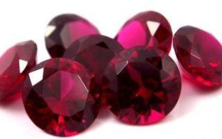 Корунд — камень-прародитель рубинов и сапфиров
