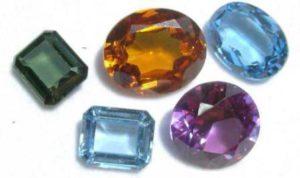 Корунд - камень-прародитель рубинов и сапфиров