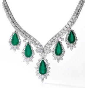 ожерелье с изумрудами