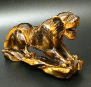скульптура_тигровый глаз