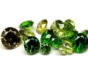 камень_зеленый гранат