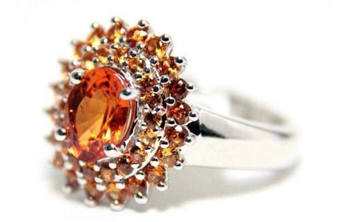 кольцо с гессонитом